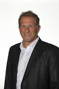Councillor Mark Shooter